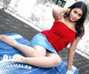 Poorna turns out as Glamour babe