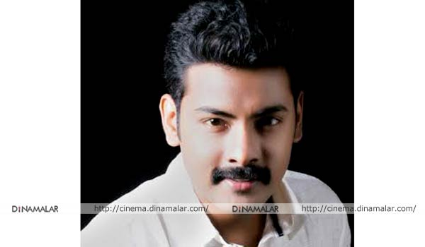 Nathaswaram-Gopi-wins-guiness-award-for-best-villan-actor
