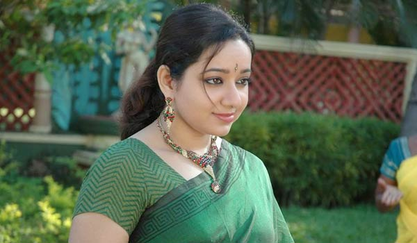In-real-life-also-i-am-loveable-girl-says-Chandra-Lakshman