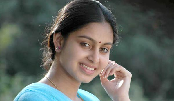 Abhinaya-to-debut-in-Hollywood-film