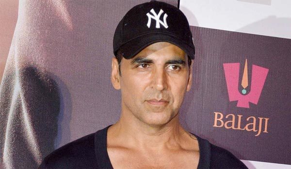 Akshaykumar-getting-Rs.1-crore-per-day-as-salary