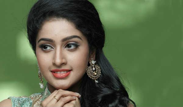 Ravichandran-grand-daughter-to-pair-with-Sasikumar