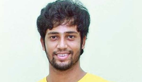 thambi-ramiah--son-umapathi-with-8-packs-in-his-new-movie