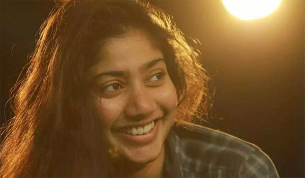 Why-Saipallavi-angry-with-Vikram.?