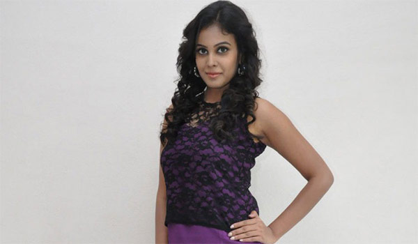 Nowdays-actress-has-no-ego-says-Chandini