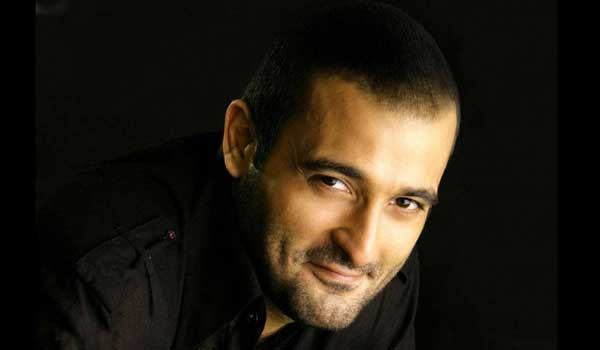 Akshaye-Khanna-is-a-milestone-in-my-career-says-Akshaye-Khanna