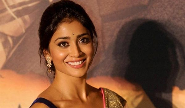 Shriya-feels-about-prakashraj