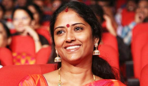 Actress-Eswari-expressed-her-happiness-while-acting-with-Rajini
