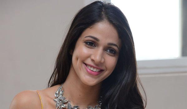 Lavanya-Tiripathi-to-romance-with-GV-Prakash