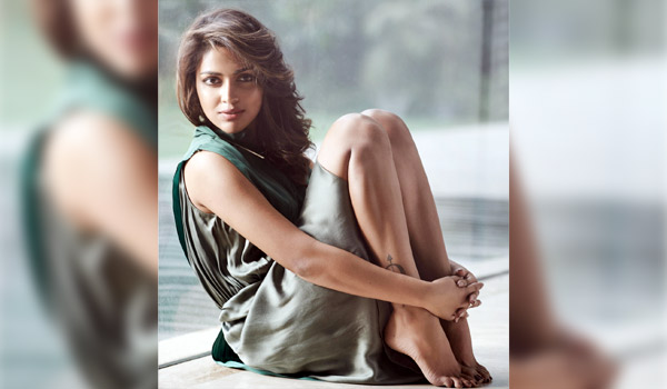 I-will-face-all-problem-easily-says-Amala-paul
