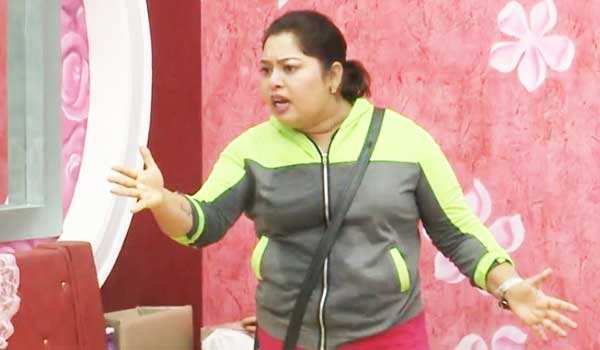 Bigboss-participants-are-selfish-except-few-people-says-Aarthi
