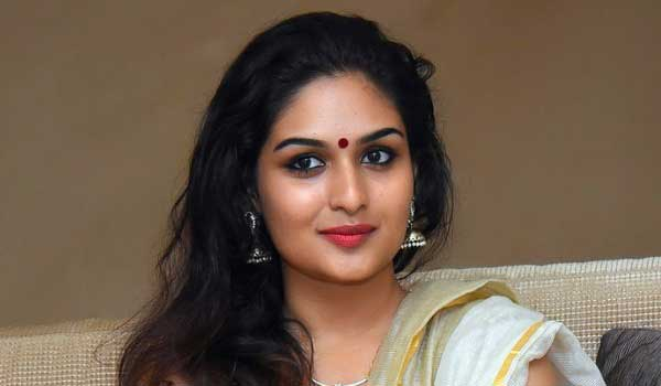 I-am-vijays-biggest-fan-says-Prayaga-martin