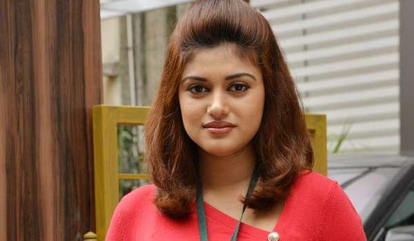Oviya-refused-to-sing-for-anjali