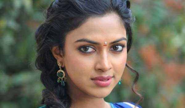 Amala-paul-on-thiruttu-payalae-2