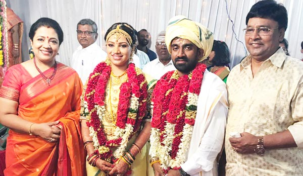 Music-director-wedding-held-in-Thirupathy-temple