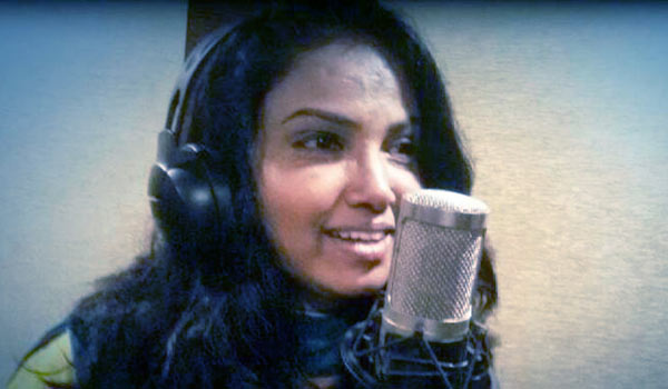 Actress-Usha-elizabeth-as-Singer