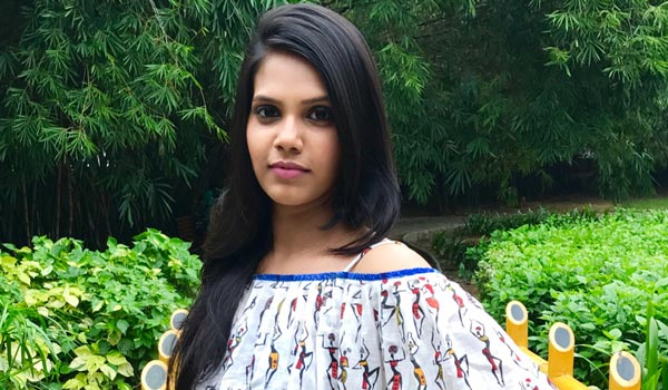 Actress-Shadhika-turn-as-Heroine-from-childhood-actres
