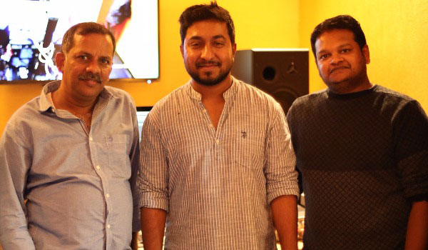 Vineeth-Sreenivasan-sings-for-Aan-Devadai