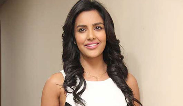 Amala-Paul-out,-Priya-Anand-In
