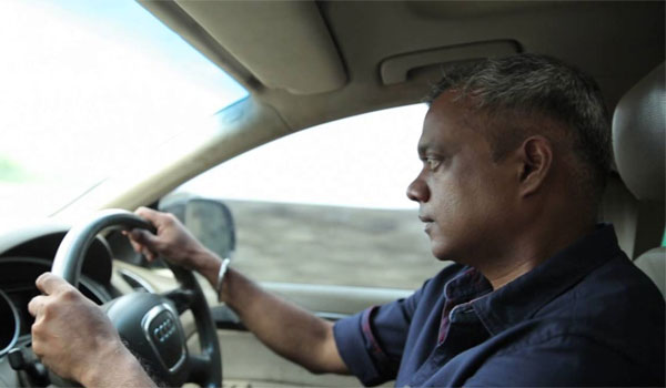 Gautham-menon-car-met-accident-:-he-injured