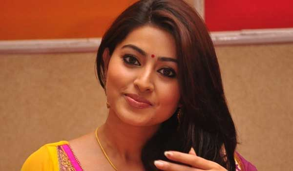 Sneha-disoppoinment-on-velaikaran