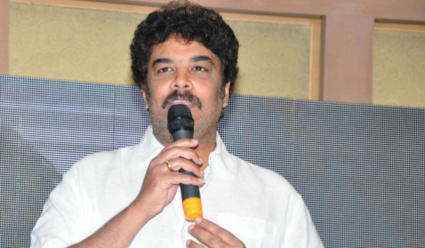 Sundar-C-supports-Rajini-in-politics