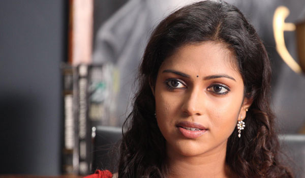 What-happend-on-that-day?---Amalapaul-replied