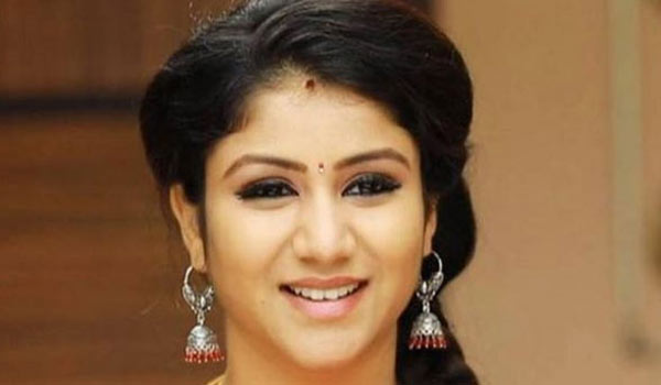 Alya-Manasa-feels-Television-as-big-screen