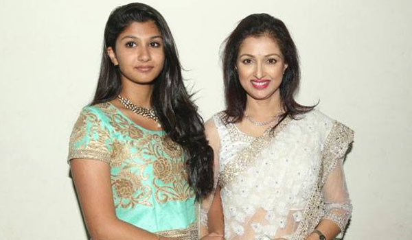 Gauthami-denied-her-daughter-acting-in-Bala-film