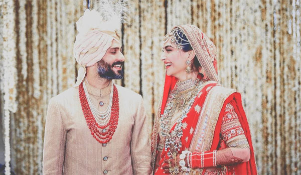 Sonam-Kapoor-married-Anand