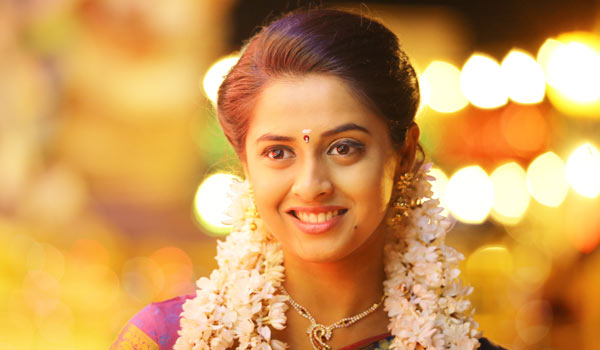 Arthana-likes-to-act-in-Village-role