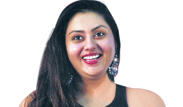 Namitha-cooking-food-first-class