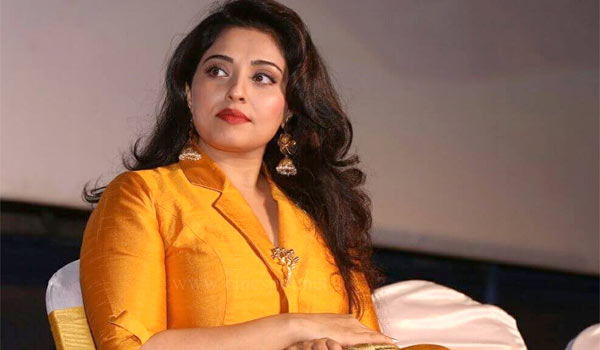 Actress-mumtaj-to-participate-in-Bigboss-season-2