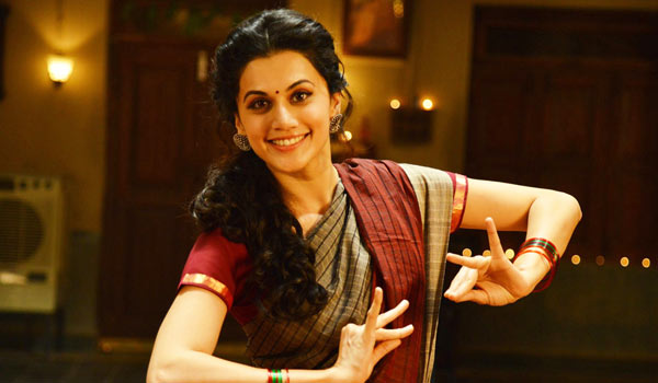 Tapsee-Telugu-movie-to-be-remade-in-Tamil