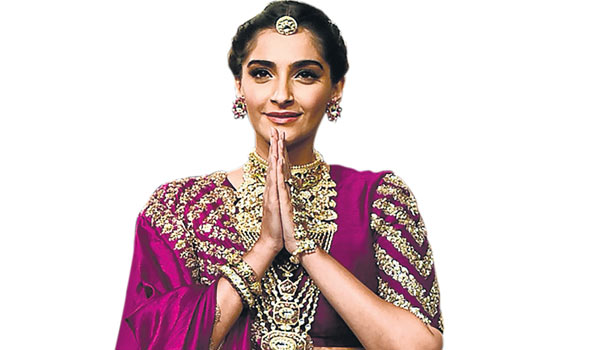 My-Father-is-role-model-for-me-says-Sonam-kapoor