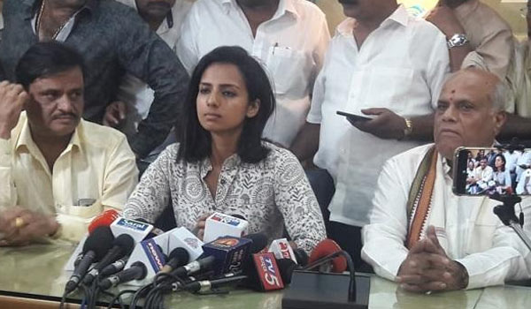 Sruthi-hariharan-records-her-statement-against-Actor-Arjun-in-MeToo-issue