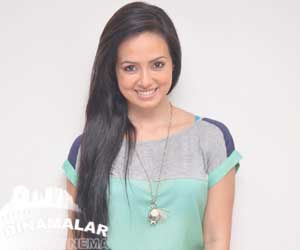 South India actress has more cigrate and drinks habits says sana khan