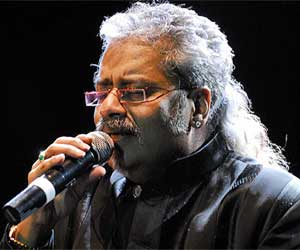 Trouble for hariharan to participate in srilanaka music program