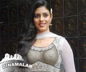 Iniya wants glamour role