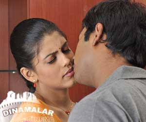 Iniya replies about liplock with santhannu