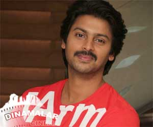 Srikanth change his track to comedy