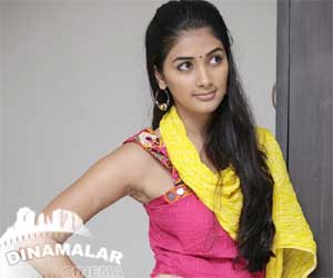 pooja hegde upset with mugamoodi