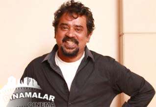 Santhosh Sivan denied to work in hindi remake of thupakki