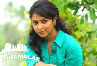 Second place to heros: Amala paul!