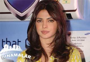 Priyanka chopra sad of Barfi out in Oscar race