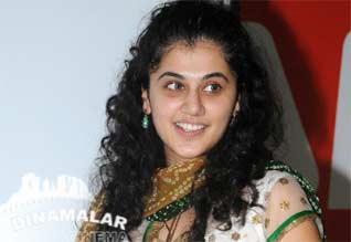 Tapsee - Arya very close