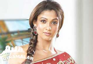Nayanthara peak in Telugu and malayalam also