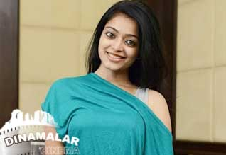 Janani Iyer ready for minimum glamour