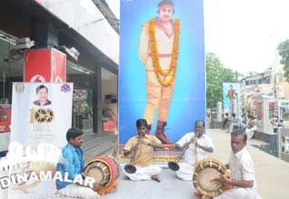Indian cinema 100th Celebration : Free shows in Malls