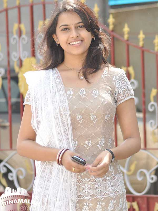 Tamil Cinema Actor/Actres Sri Divya